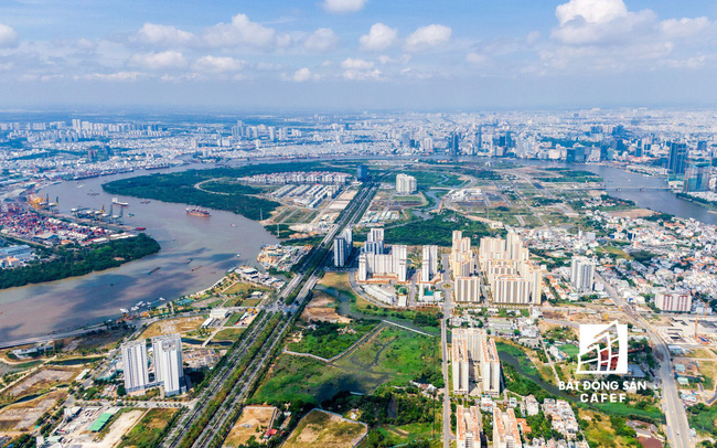 Besides swing trading for high profit, what else are customers looking for in eastern hcmc real estate market?